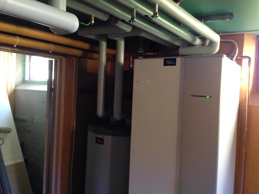 Värme pump Nibe split med 200L varmvattenberedare