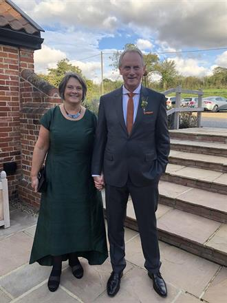 Måttsydd klänning till bröllop