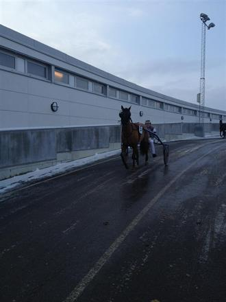 Devs D.Day på väg från banan på Åby.