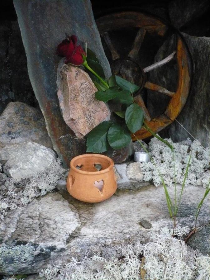 3 ) BUDENE / SINAI-KAPELLET