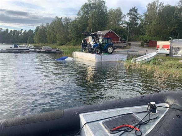 Bärgning av sjunken båt