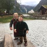 Små vikingar i Gudvangen