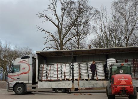 22,5 ton solroskärnor kommer till Slåttergubben