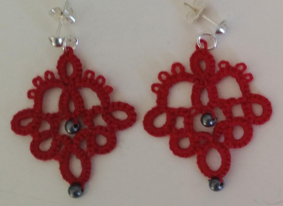 Ørepynt nupereller rød med 2 perler