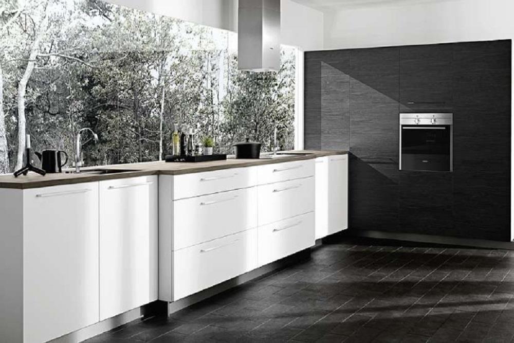 Glass over kjøkkenbenk herdet glassplate platetopp kitchen board Hadeland splashbacks Norway