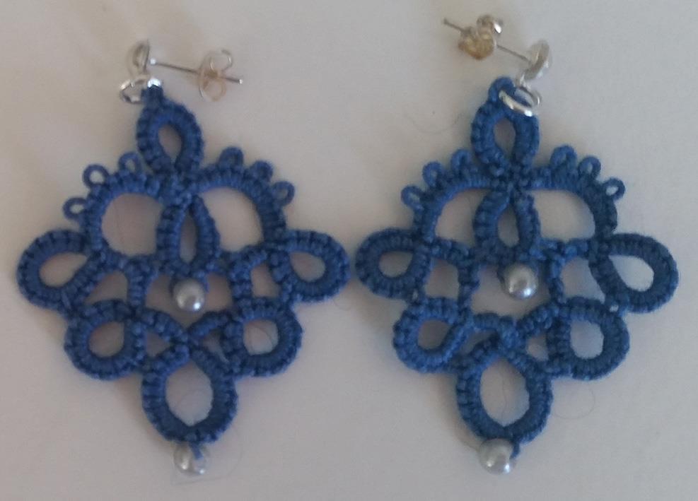 Ørepynt nupereller blå med 2 perler