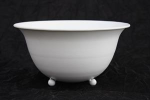 Plåtskål vit med tassar D23cm