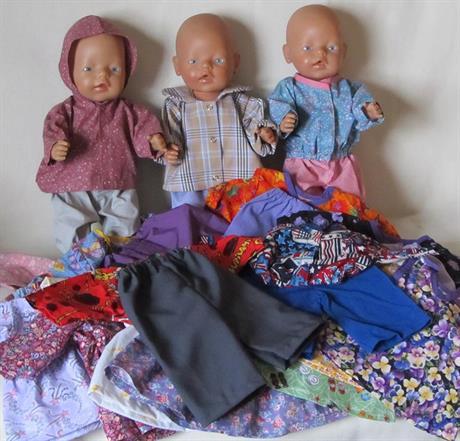 Dukkeklær til BabyBorn dukken