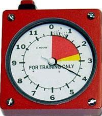 Korkeusmittarikello (student training only)