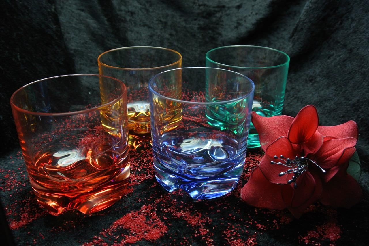 G 661 Whiskyglaset färgade