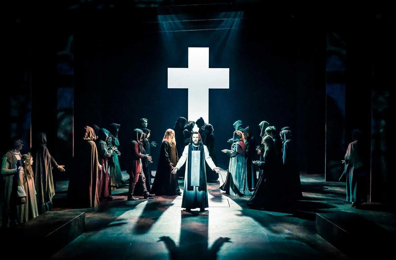 Kristin Lavransdatter - Den Nasjonale Scene - Director: Svein Sturla Hugnes - Costume Design: Christina Lovery - Foto: Magnus Skrede 2018
