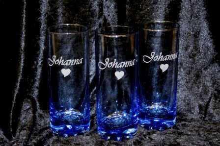Glas, blåton med gravyr