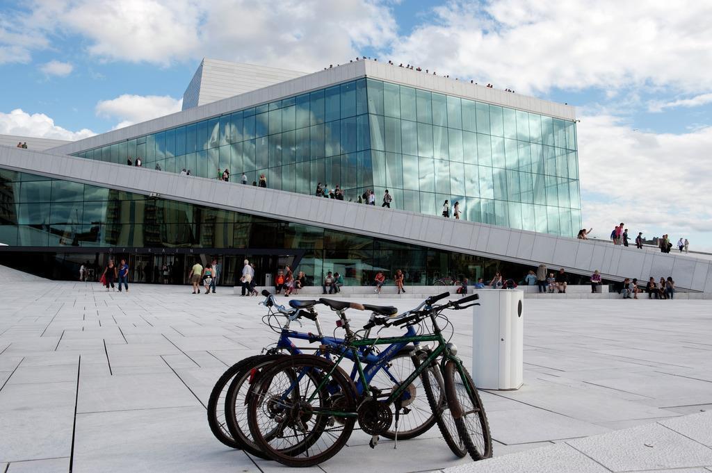 På sykkeltur til Operaen