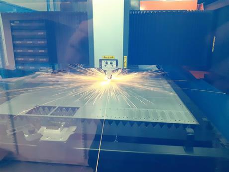 Laserskärning med fiberlaser