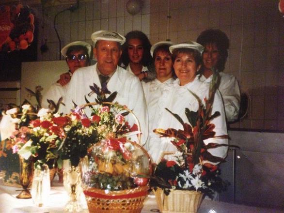 80 års jubileet. Från vänster, Gerd Brolin,Tage Björk,Maria Björk,Maud Persson,Britt Olsson,Elisabeth Björk.