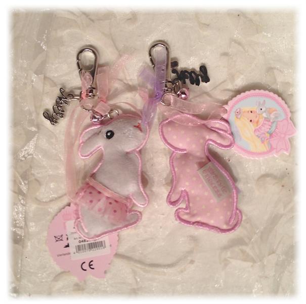 Nøkkelring - kanin med rosa skjørt