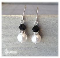 Ørepynt perle og sort krystall