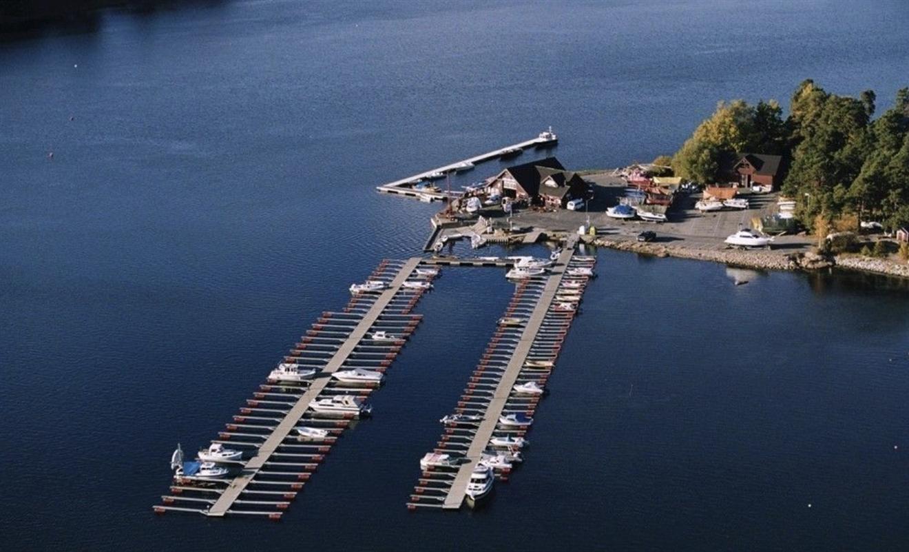 2022: 18m sommer båtplass inkl parkering