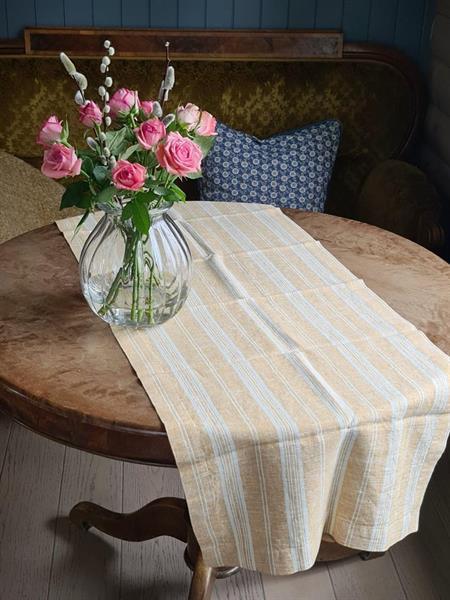 NICOLINE bordløper i lin oker