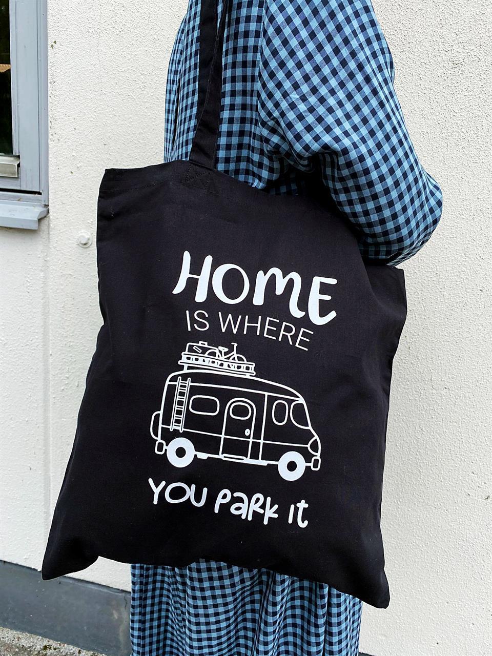 Tygkasse, Home is/Husbil, svart/vit text