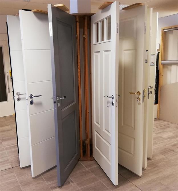Byta innerdörr gör stor skillnad. Flera olika modeller finns i vår utställning.