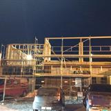Bygget starter å reise seg.