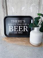 Bricka 27x20 cm, Beer, svart/vit text