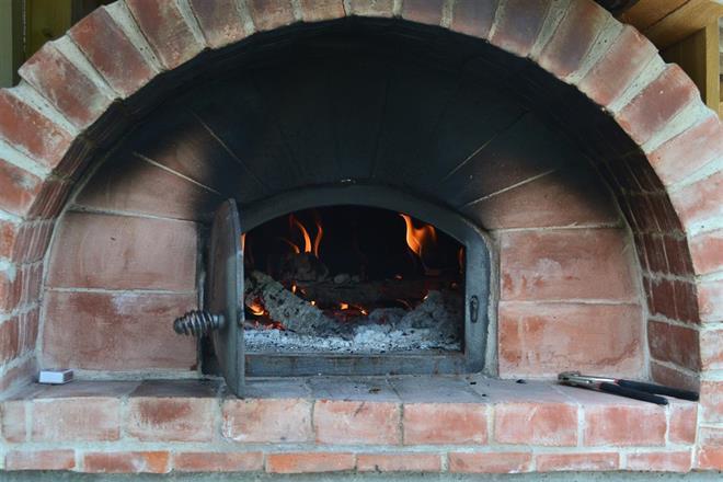 Stenugn till bakning och matlagning