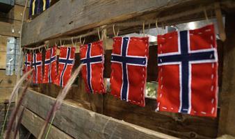 A2 Flagg på juteline, 8stk