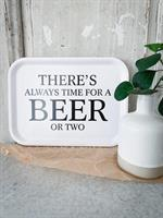 Bricka 27x20 cm, Beer, vit/svart text