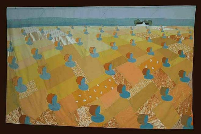 """Gullene fält"", applikation, 117x185"
