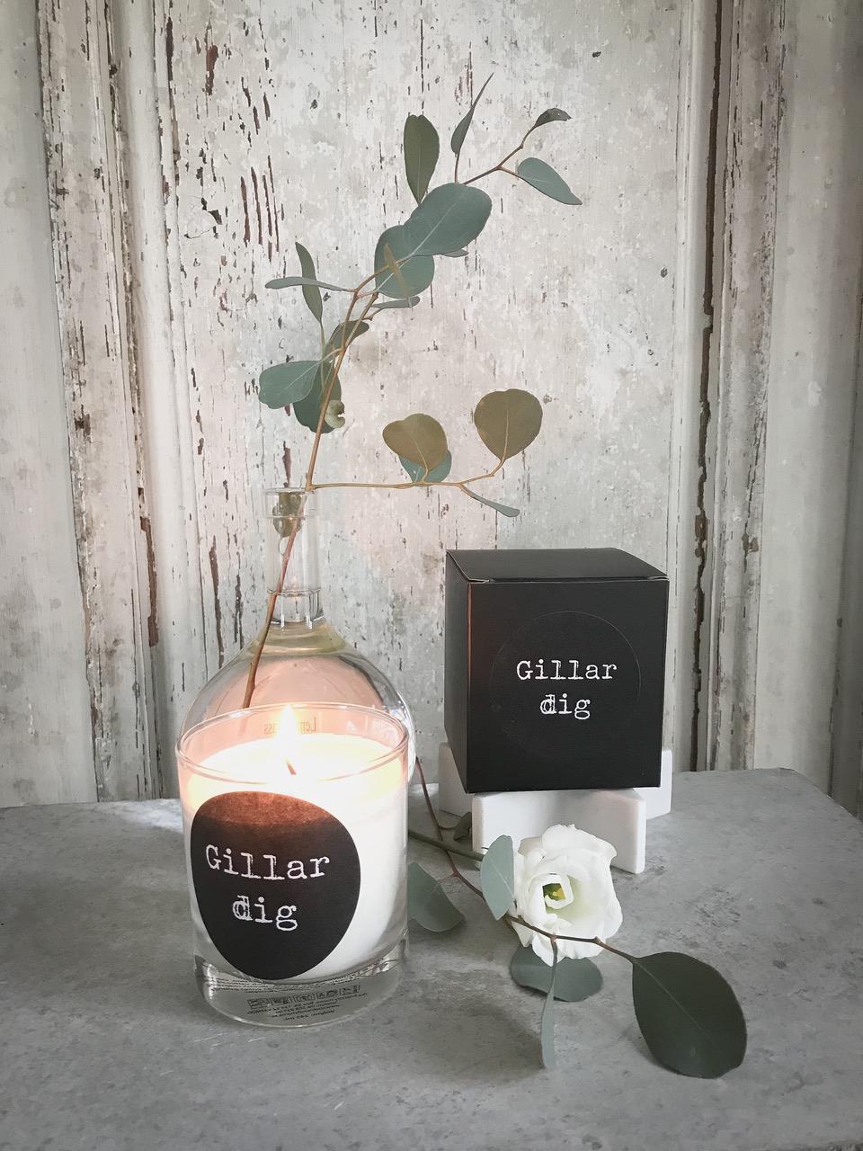 Doftljus, Gillar dig, svart/vit text