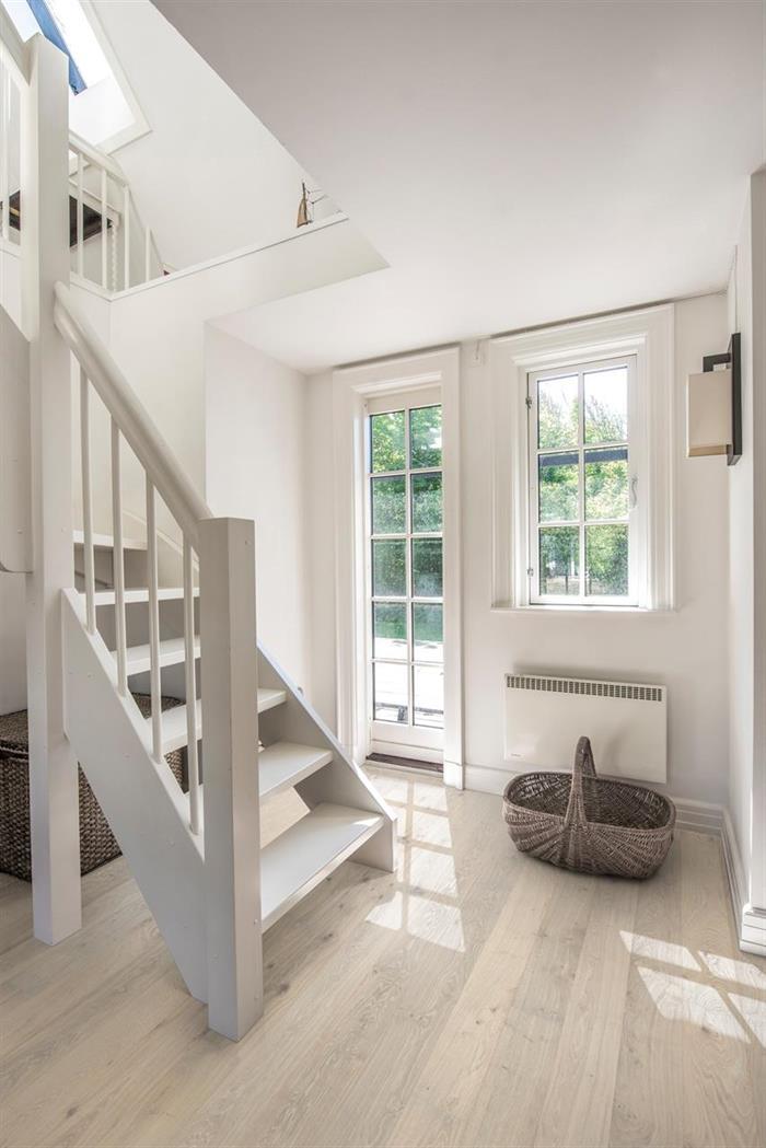 Eik Nouveau Blonde - Skaper lys og rom i rommet