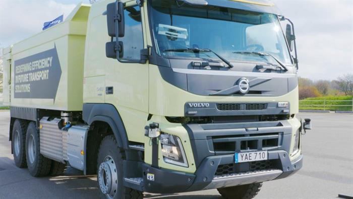 Volvos självkörande lastbil testas i drift