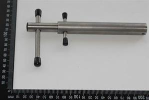 Removing tool with interlockin