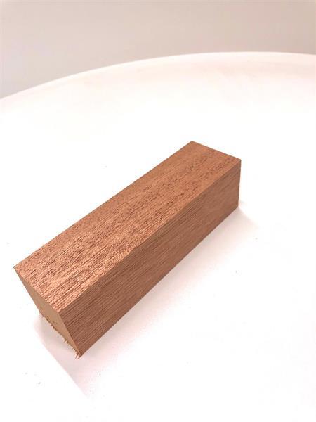 Knivämne mahogny 40x40x140mm
