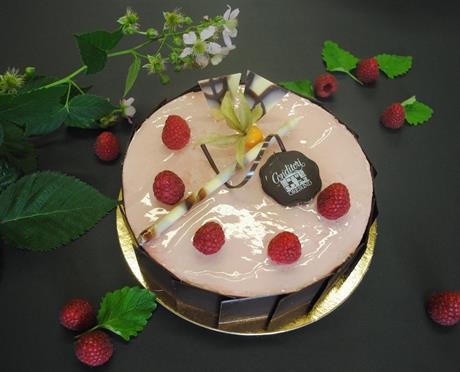 Hallonmousse tårta