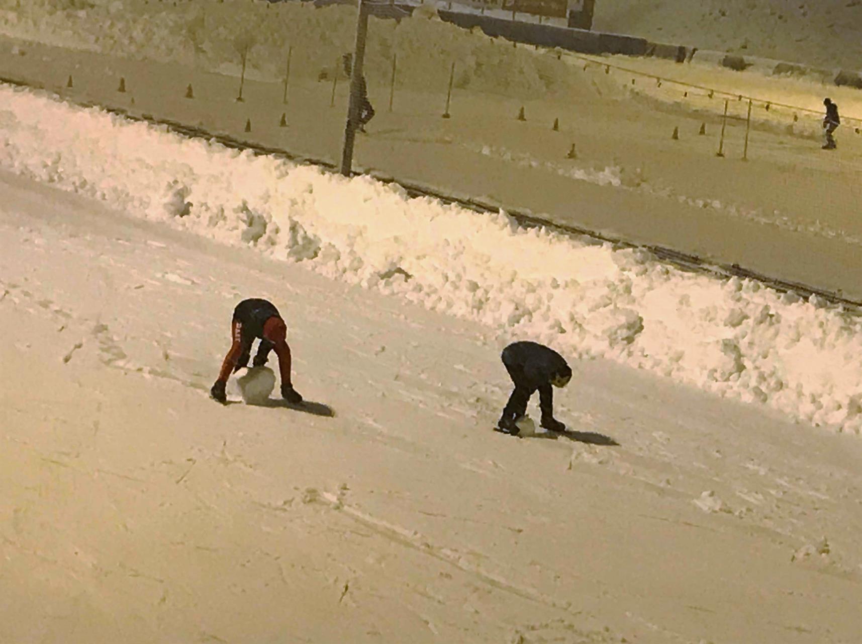 Ny øvelse: Skøyteløp m/ innlagt snøballrulling?