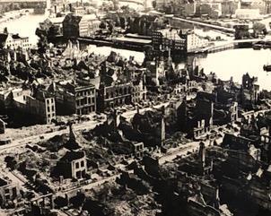 Gdansk - sönderbombat efter WWII Foto tagit i Gdansk stadsmuseum av Reine Lindholm