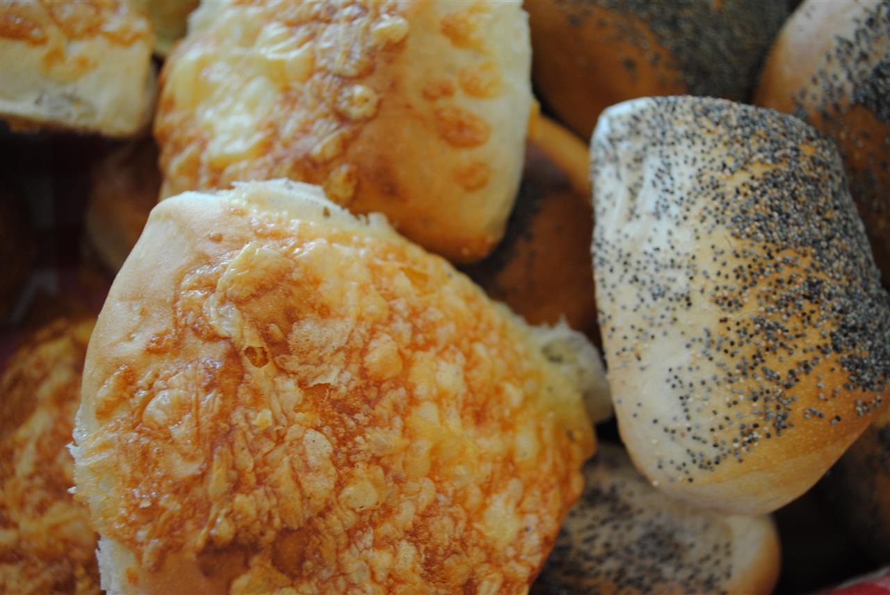 Ostbullen är en populär frukostbulle som är omtyckt p.g.a. den goda osten som är uppe på, det är en av våra 15 sorters frukostbullar