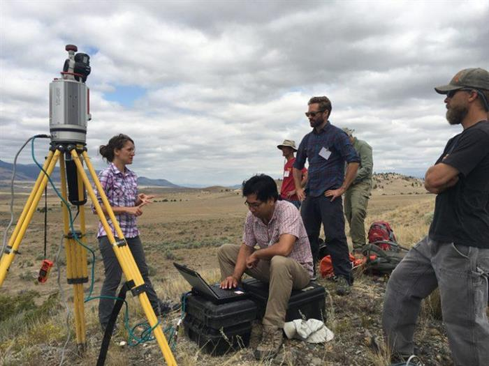 Integrating Topographic Imaging into Geoscience Field Courses