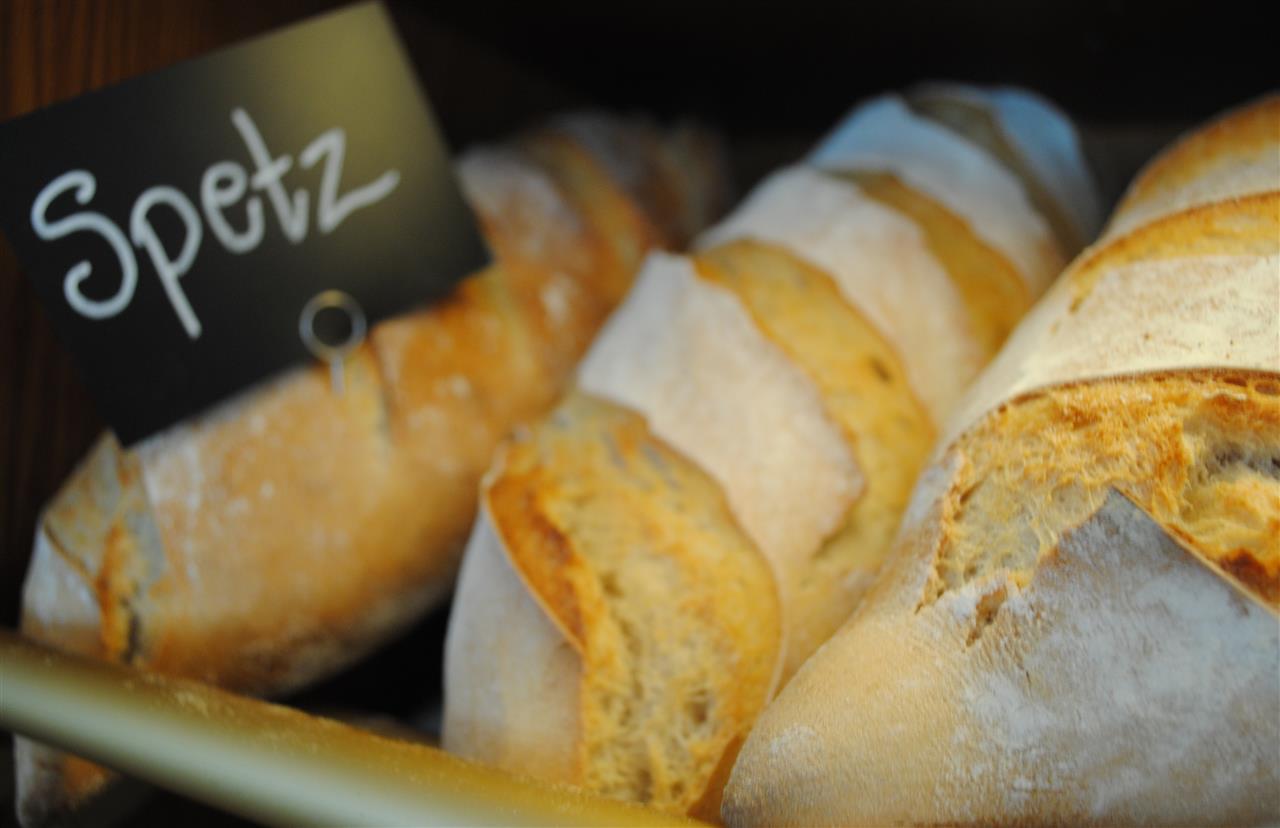 Spetz är ett av våra många surdegsbröd och är gjort på vete