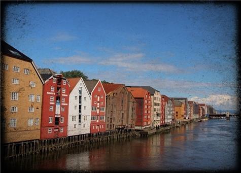 Åse Juul - Bryggene ved Nidelven - foto
