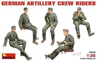 GERMAN ARTILLERY CREW RIDERS