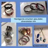Smycken i glas, läder, skedar mm