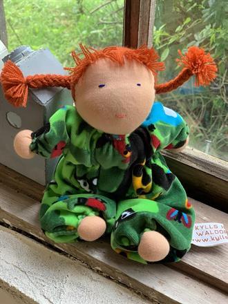 Middle sized hug doll , around 20 cm long, SEK 250