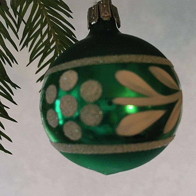 Julekule, matt grønn, 4 cm