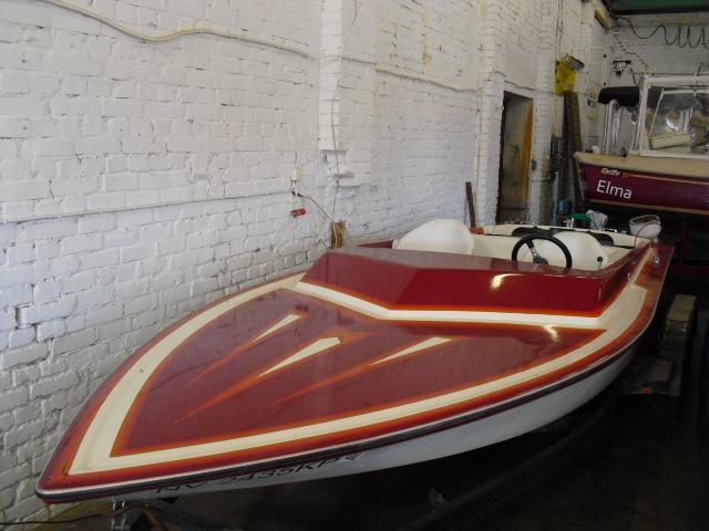 20 fot skiboat Kaschina 460 twin turbo jet