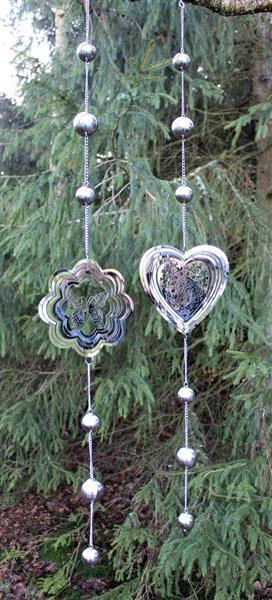 Girlang silverklot och blomma och fjäril