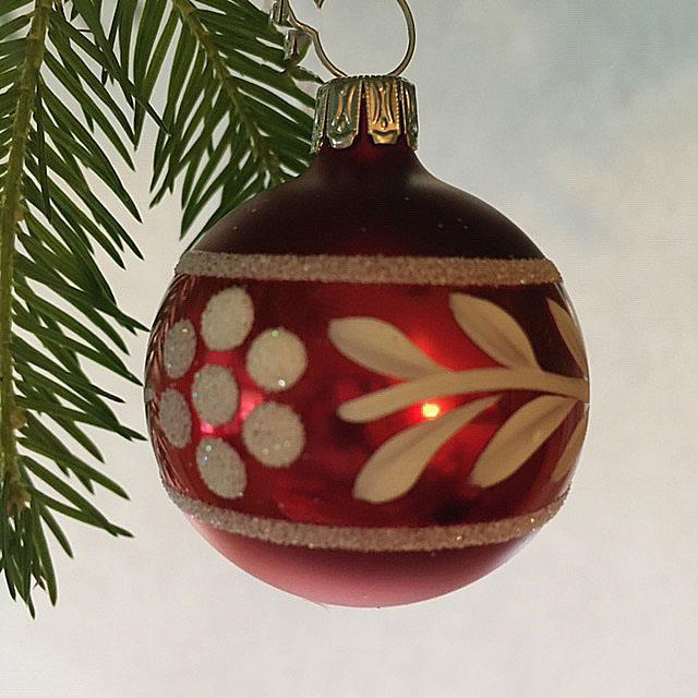 Julekule, matt rød, 4 cm